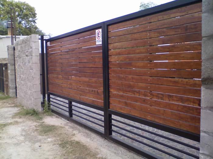 Alambrados pilar for Puertas y portones de madera